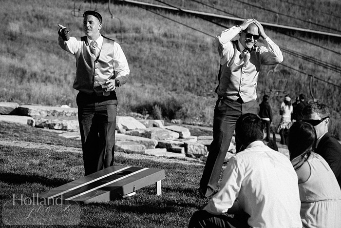 Lawn games during cocktail hour at L&R's Steamboat Springs wedding