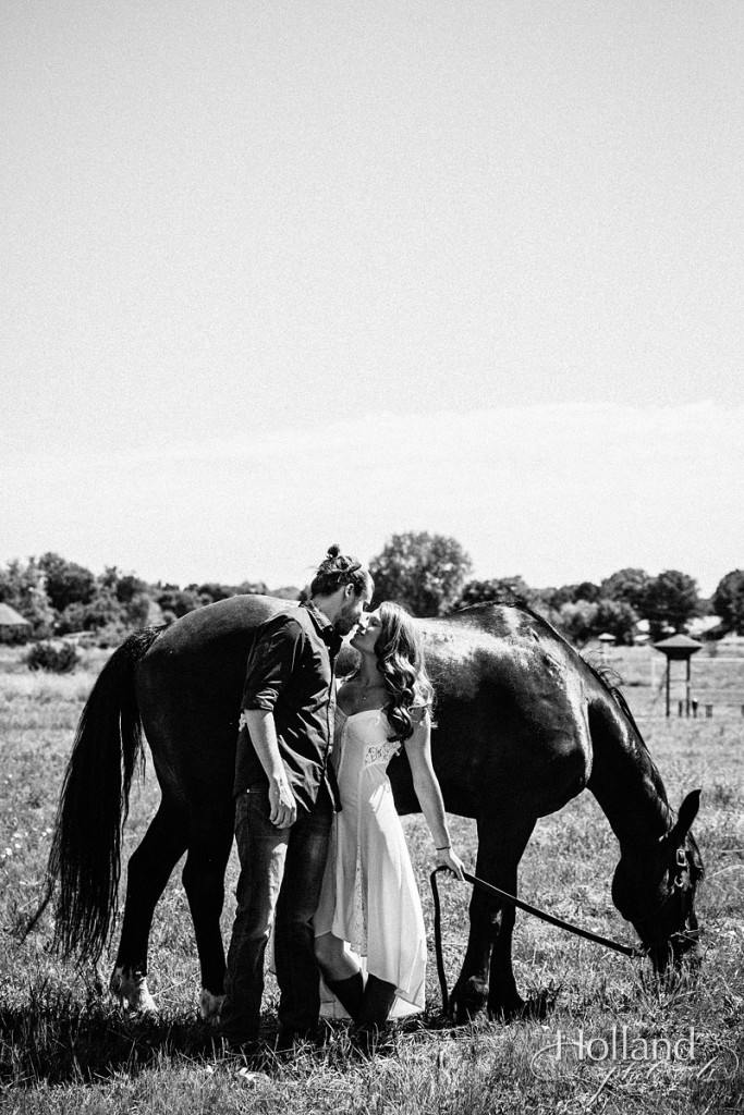 boulder_engagement_session_with_horse-holland_photo_arts-TIe-1111-48