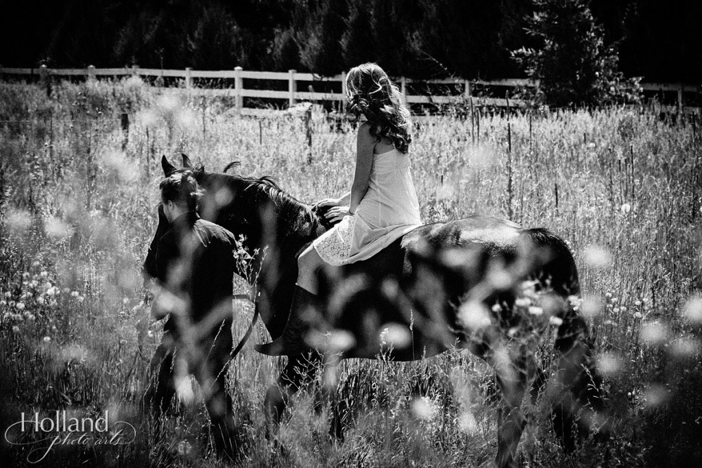 boulder_engagement_session_with_horse-holland_photo_arts-TIe-1125-16