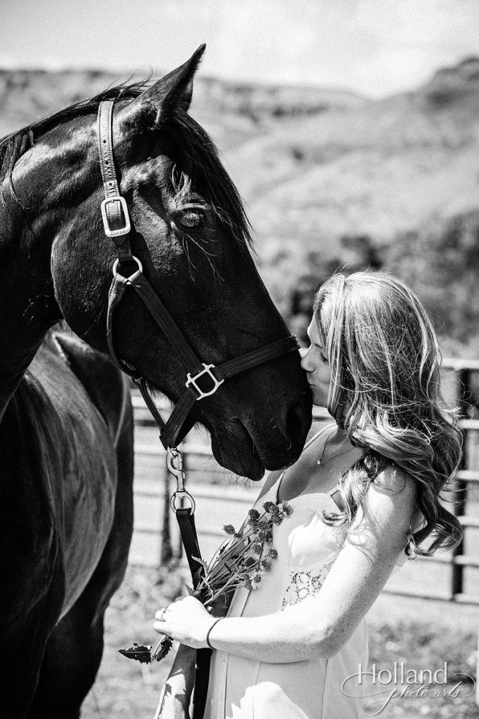 boulder_engagement_session_with_horse-holland_photo_arts-TIe-1138-53
