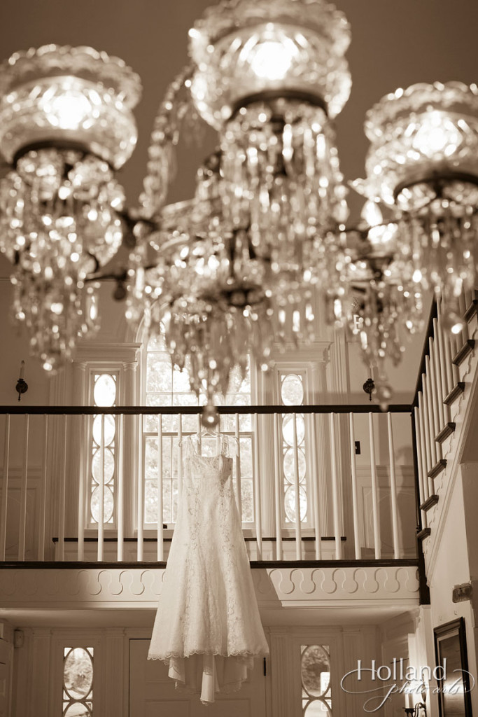 dress_hanging_chandelier-virginia_wedding-holland_photo_arts-3CC-1408-23x